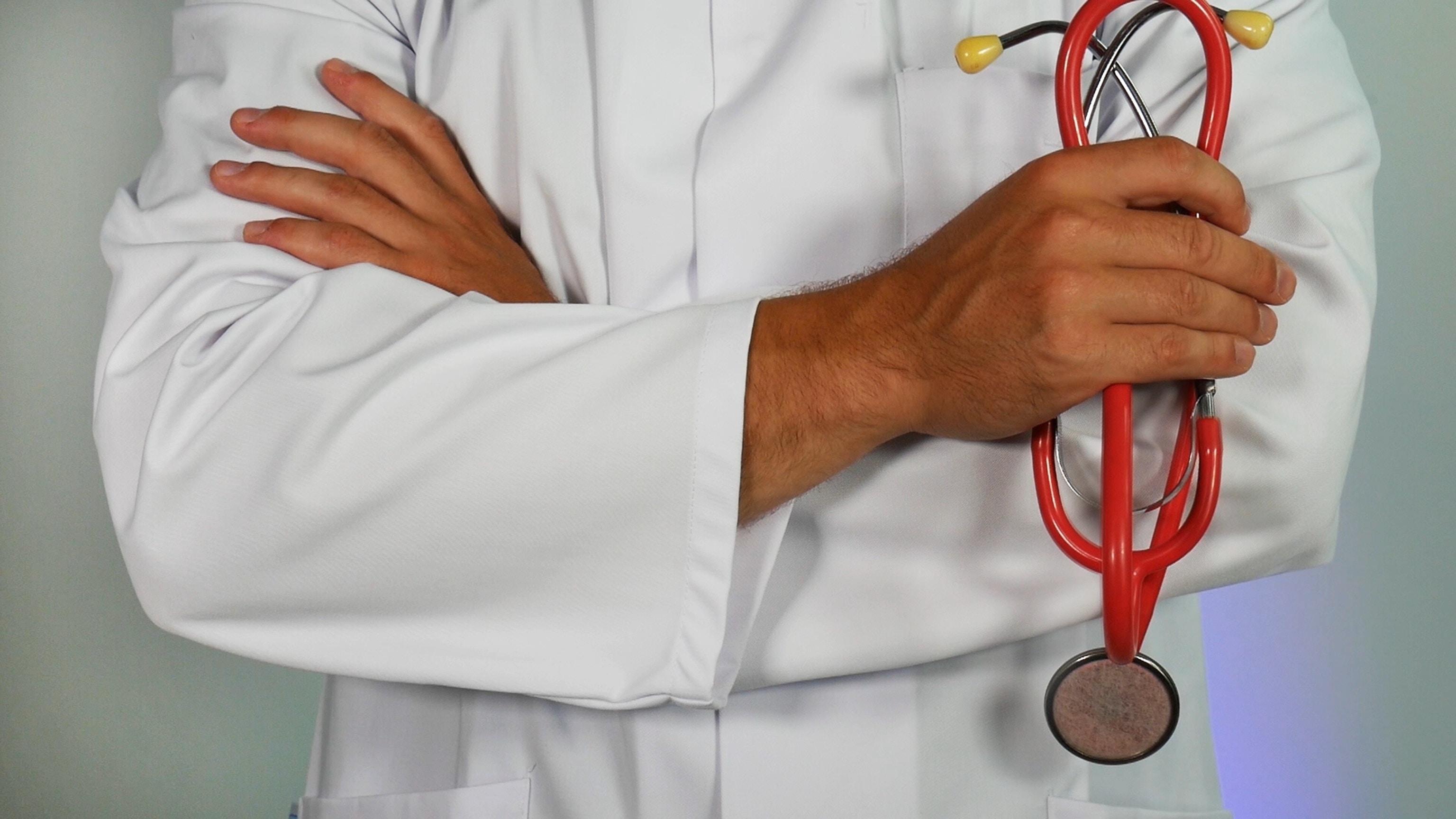 Visite specialistiche a Tabiano, centro per la salute (Ph. by Online Marketing on Unsplash)